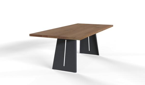 Esstisch Wakema mit rechteckiger Tischplatte aus nachhaltigen Massivholz