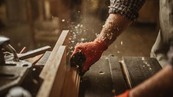 Massivholz-Handarbeit