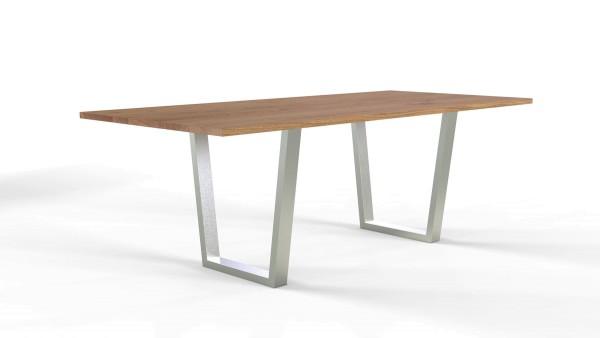 Esstisch Jevo mit rechteckiger Tischplatte aus nachhaltigen Massivholz